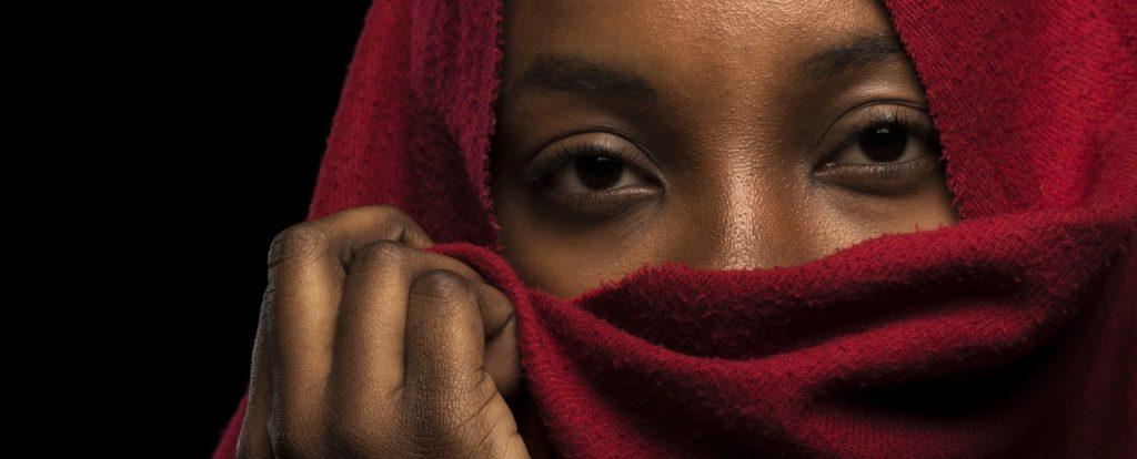 Verhüllte Frau aus Afrika - nicht in der Legion (#3)