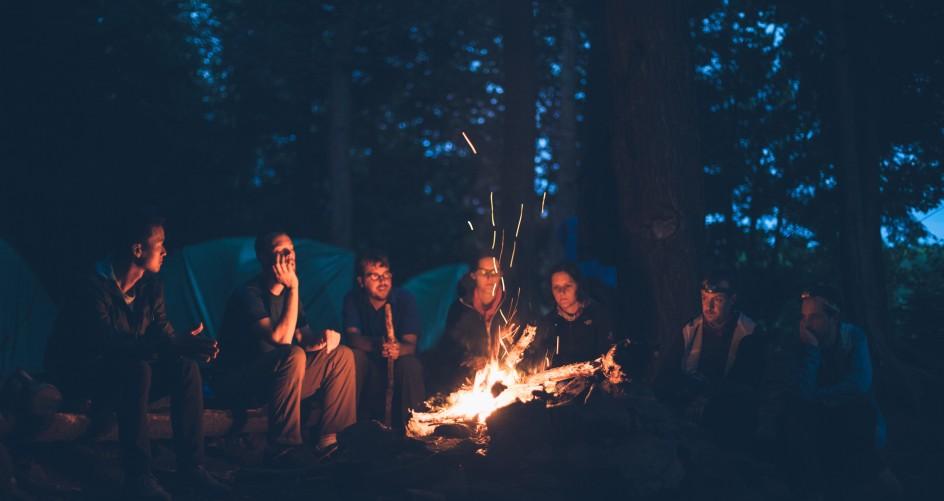Lagerfeuer am Zelt auf dem Campingplatz in Misdroy. (#3)