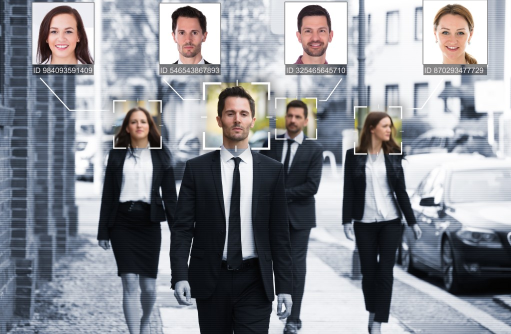 Eines der Haupteinsatzgebiete für neuronale Netze ist die Gesichtserkennung. (#1)