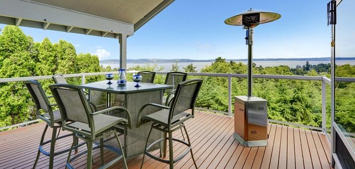Terrassenheizstrahler für warme Stunden im Außenbereich ( Foto: Shutterstock-_Artazum)