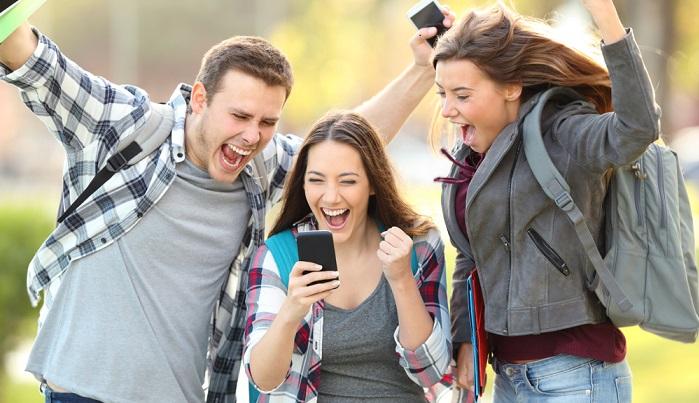 Beim Weiterbildungsstipendium handelt es sich um eine Möglichkeit, mit der besonders begabte junge Menschen unterstützt werden sollen. ( Foto: Shutterstock-Antonio Guillem )