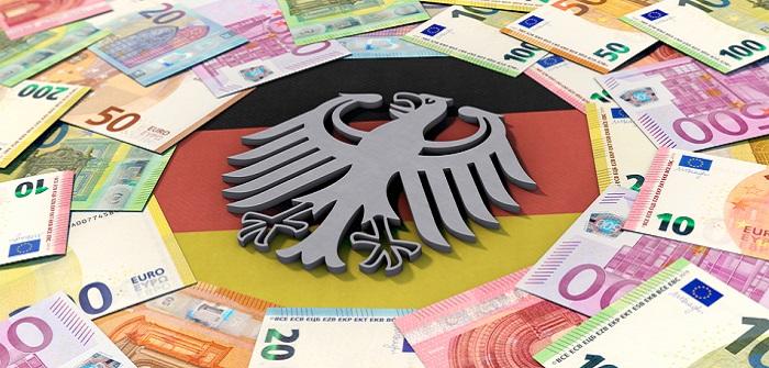 Fördergelder: Beschäftigte in Weiterbildung erhalten Geld vom Staat (Foto: Shutterstock- DesignRage)